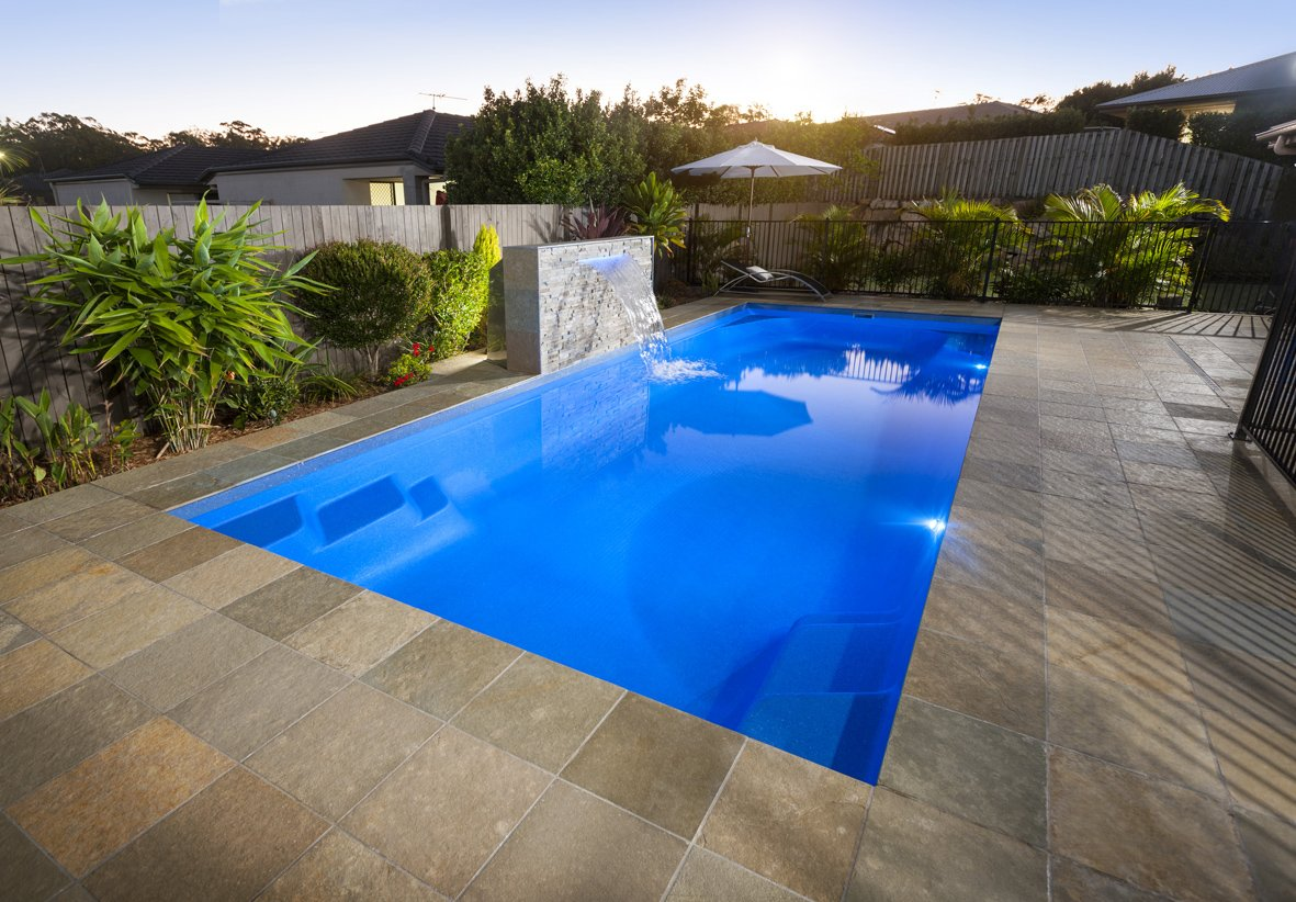 Complete Fibreglass Pool Kits - Daintree 11m with water feature